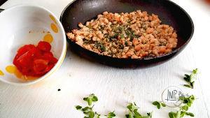 Maccheroni genovesi al ragù di salmone Preparazione ingredienti