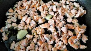 Maccheroni genovesi al ragù di salmone salmone rosolato