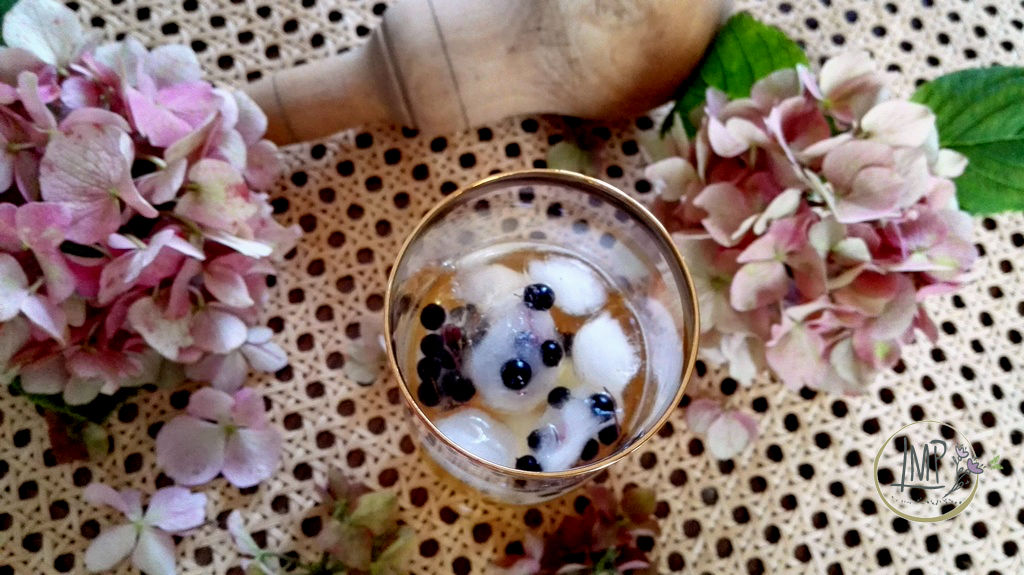 Cocktail Elder Passion dettaglio bicchiere dall' alto