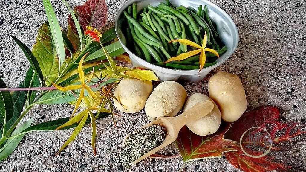 Ingredienti per polpettone su tavolo