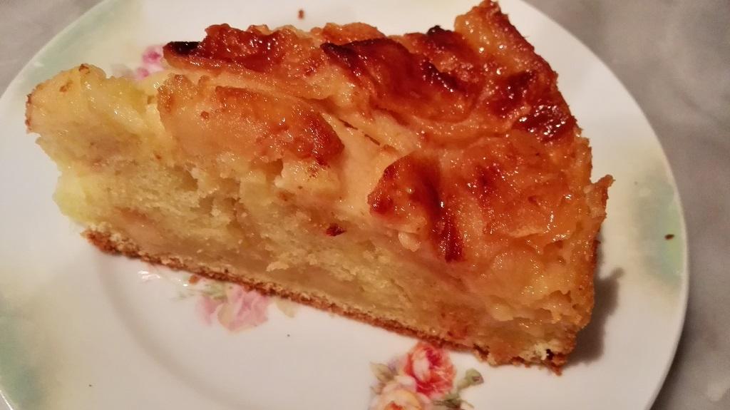 Fetta di torta soffice di mele