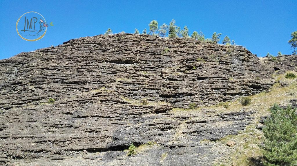 La Val Gargassa e i suoi canyon lunari Parete stratificata