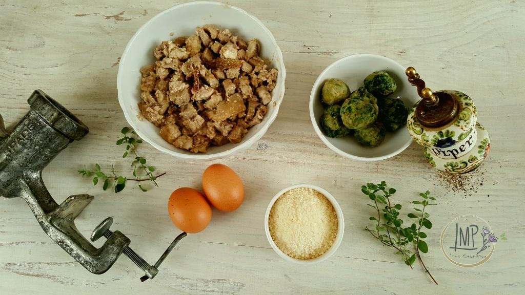 Ravioli genovesi Ingredienti preparati su madia