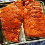 BBQ Ribs al forno dal Texas all' Italia Pronto per il forno su tegame con griglia