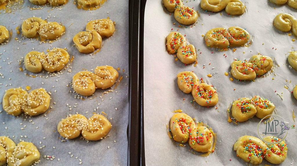 Koulourakia biscotti greci pasquali cottura formine pronte