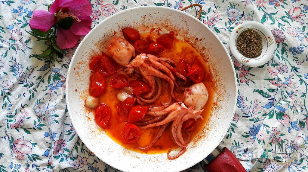 Riso rosso con moscardini Sugo in padella