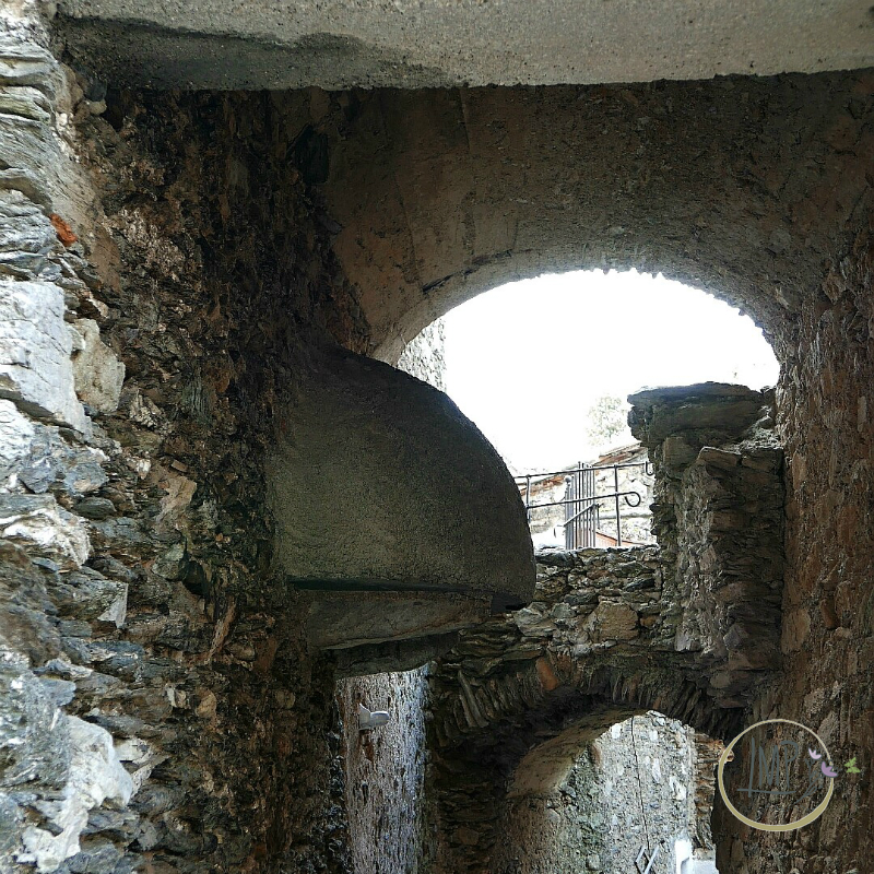 Castelvecchio forno sospeso dettaglio