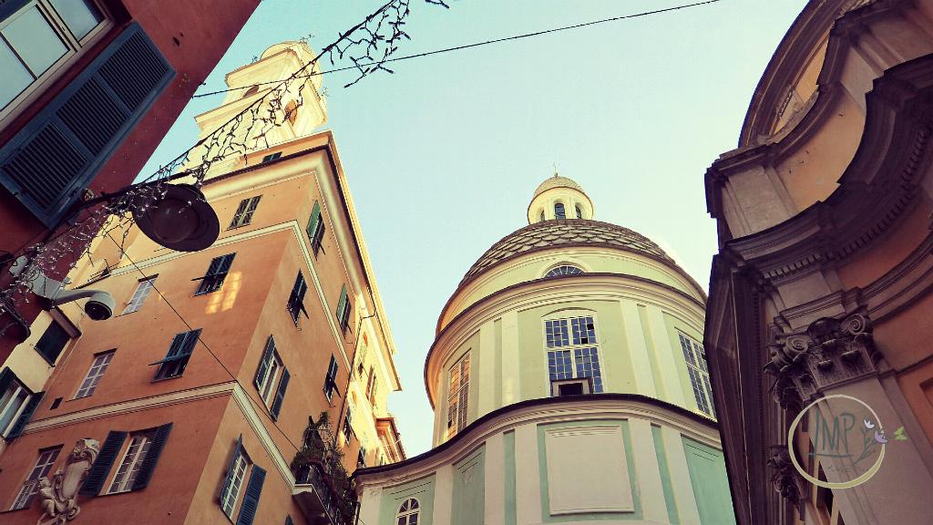 Natale a Genova Torre staccata dalla chiesa