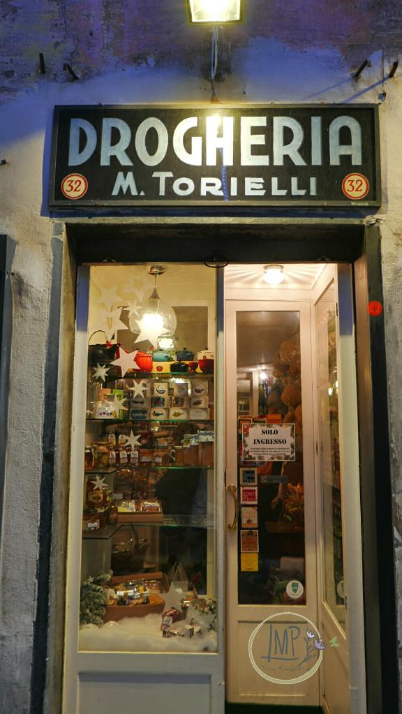 Natale a Genova Torrielli entrata negozio