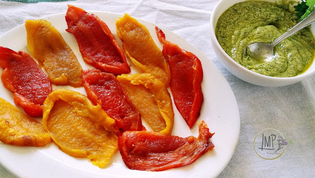 Peperoni arrosto con salsa Cambridge da riempire