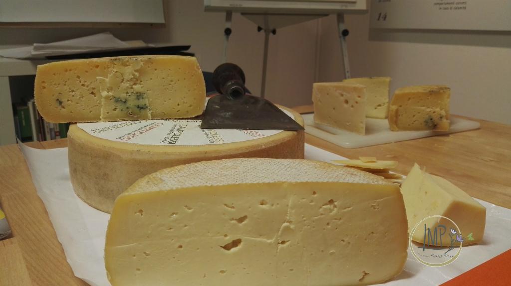 Racconta il tuo formaggio del cuore formaggi a latte crudo