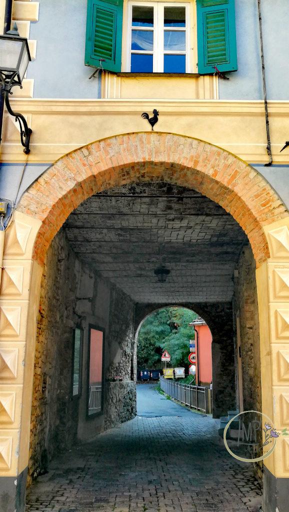 Bella di Torriglia Arco con dipinto