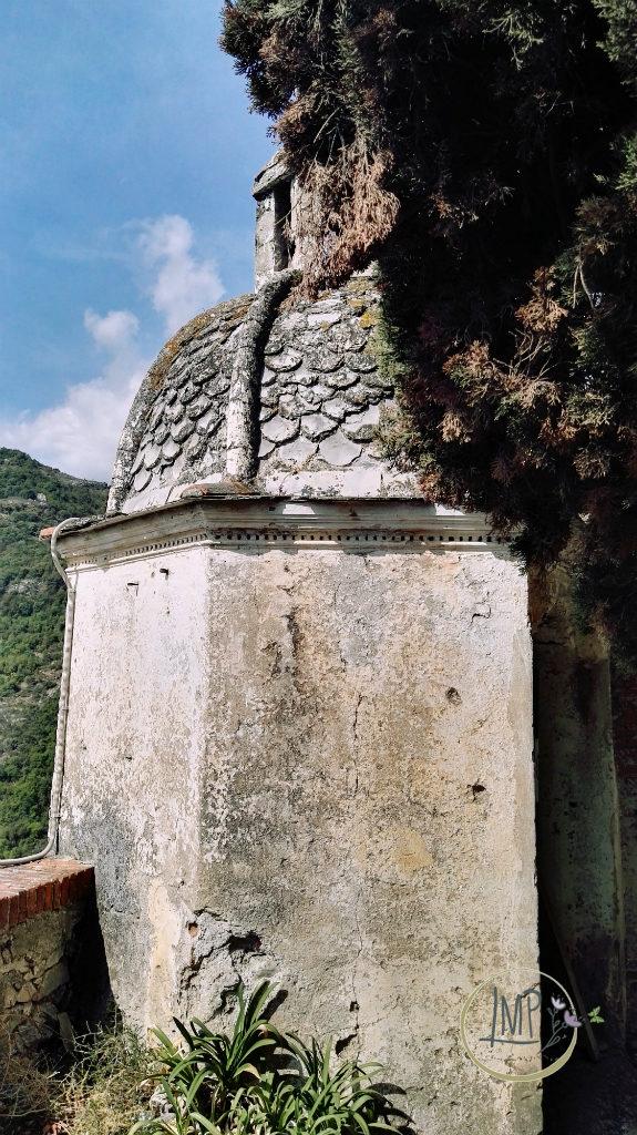 Santa Lucia di Toirano particolare entrata