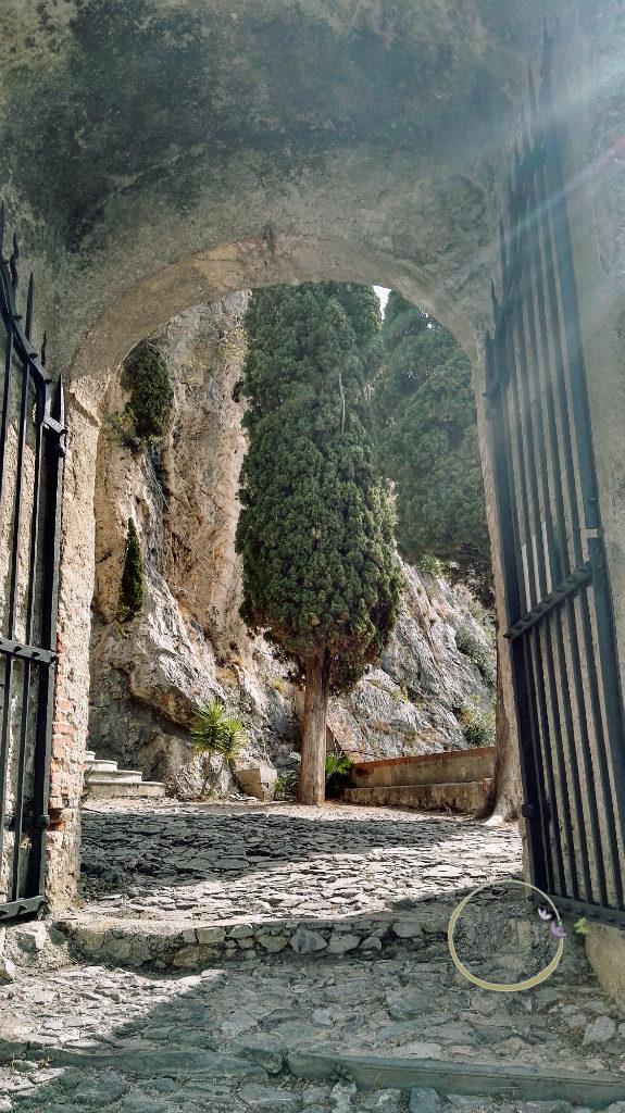 Santa Lucia di Toirano varco