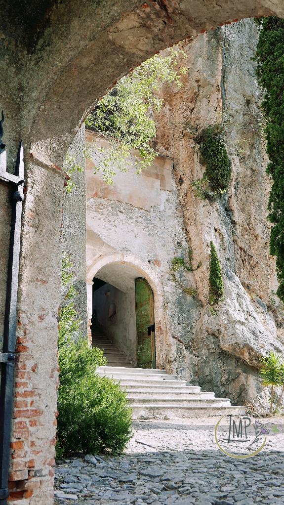 Santa Lucia di Toirano accesso
