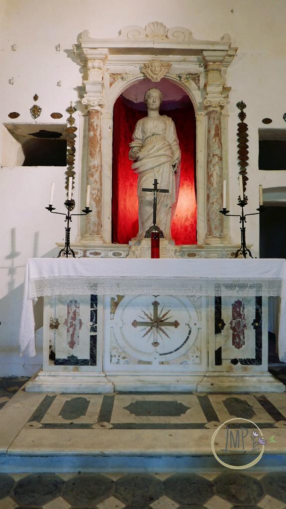 Santa Lucia di Toirano altare