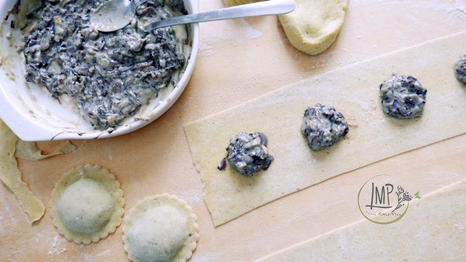 Ravioli radicchio gorgonzola ravioli