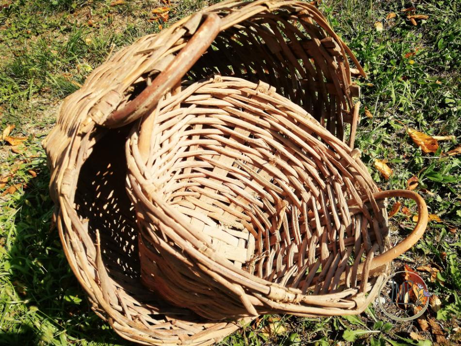 Antiche ceste intrecciate di castagno della mia famiglia