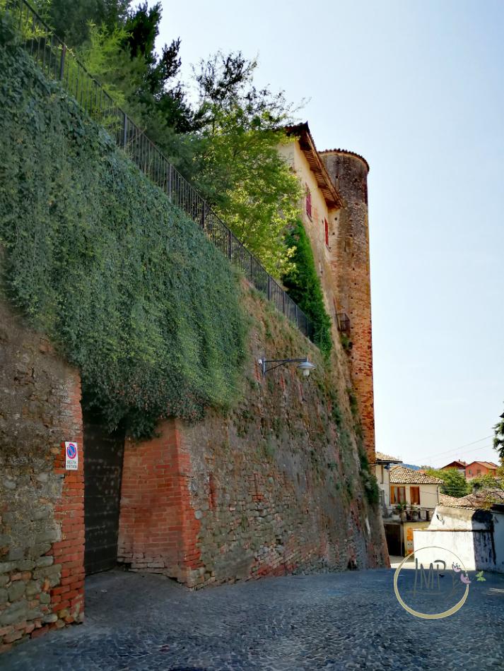 Castiglione Falletto Castello