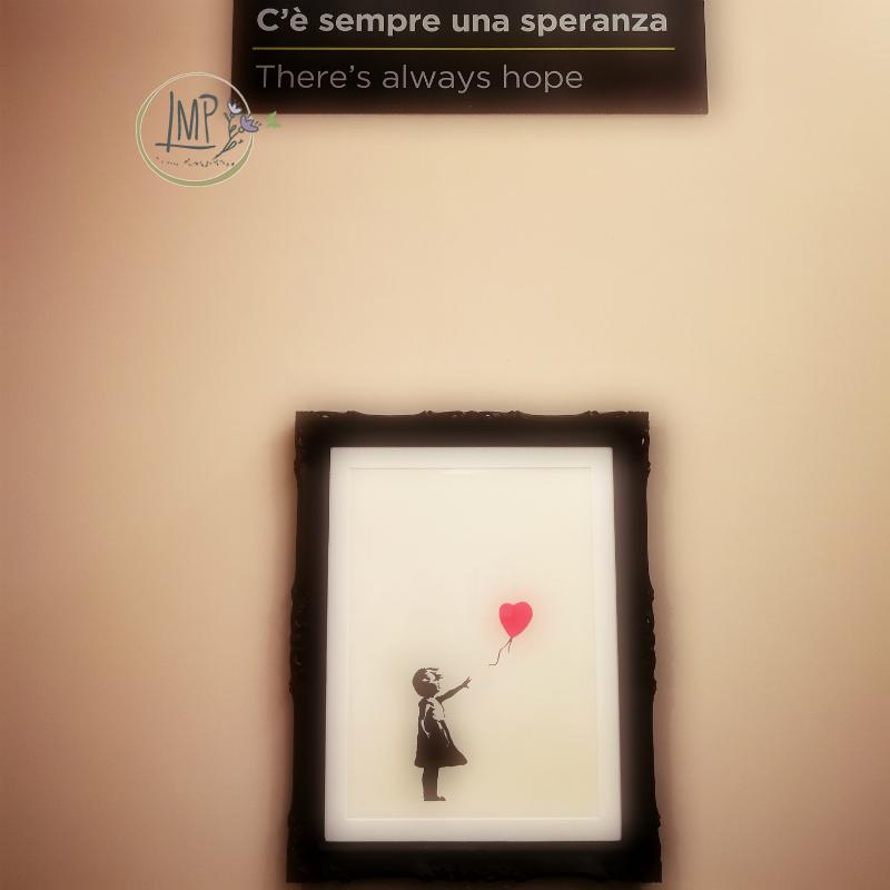 Banksy a Genova, La ragazza col pallone