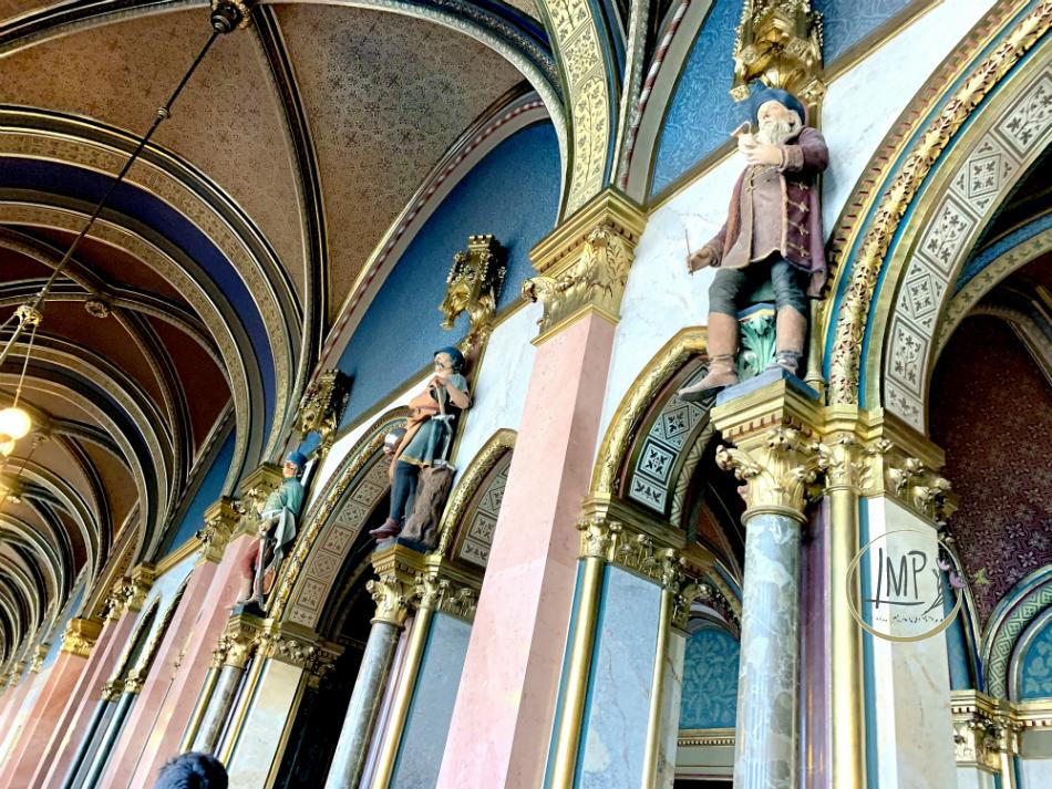 Parlamento statue antichi mestieri
