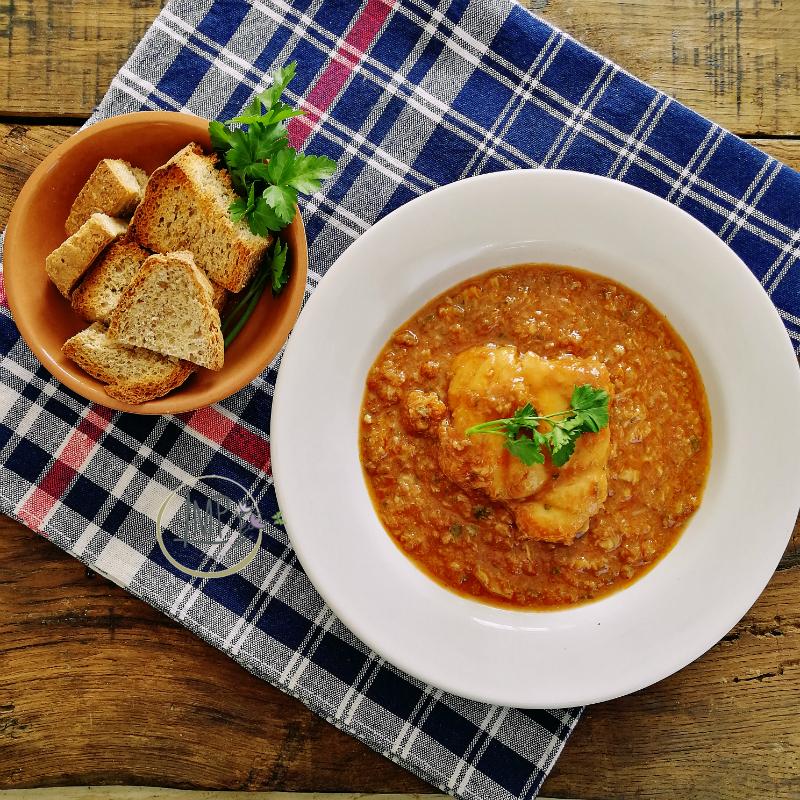 Zuppa di rana pescatrice boldrò con crostini