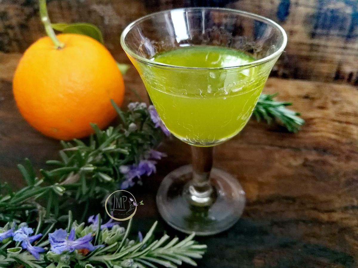 Liquore al rosmarino e arancia bicchierino