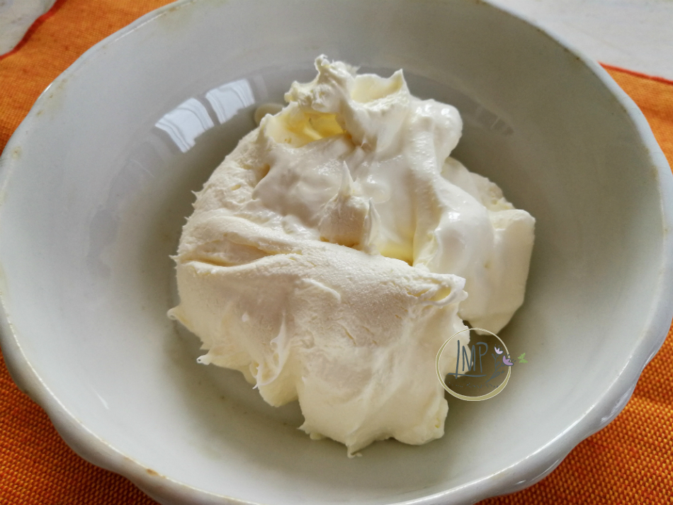 Mascarpone in ciotola