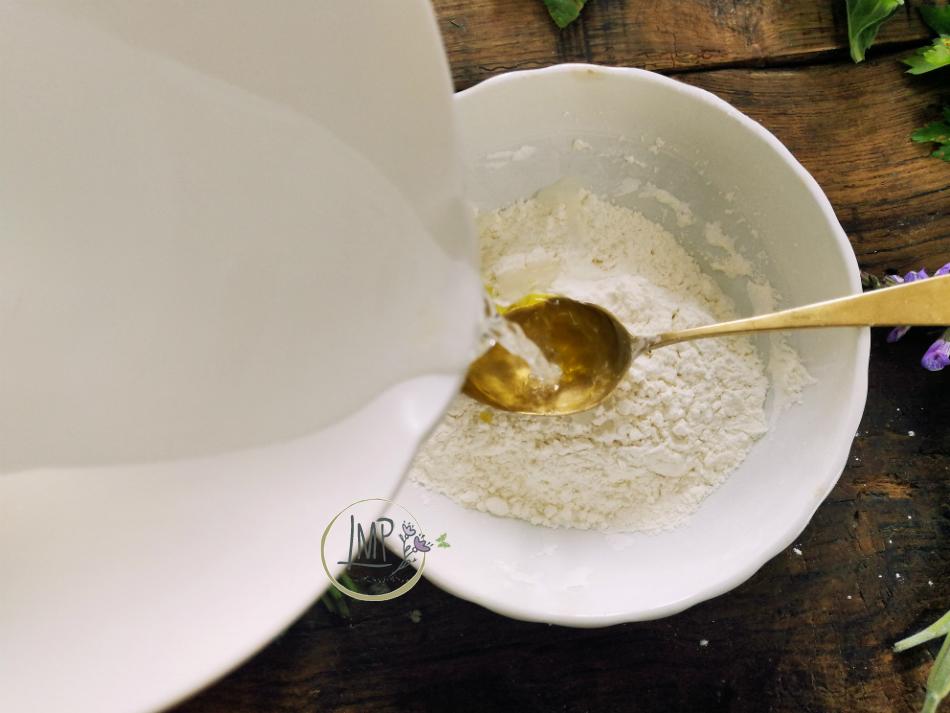 Preparazione pastella con acqua