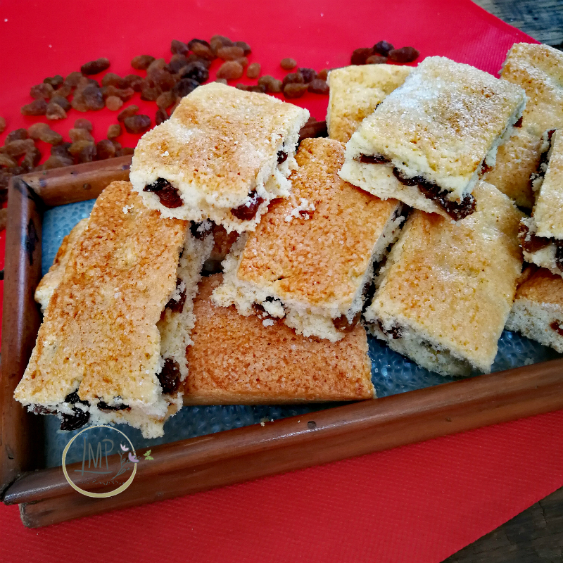Biscotti Garibaldi su vassoio