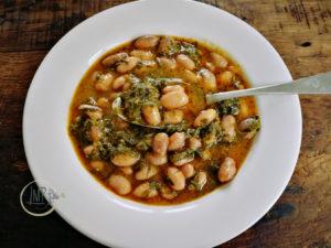 Zuppa di fagioli freschi piatto