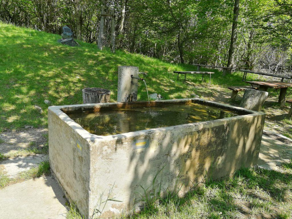 Sentiero per il Pian della Cavalla acqua potabile